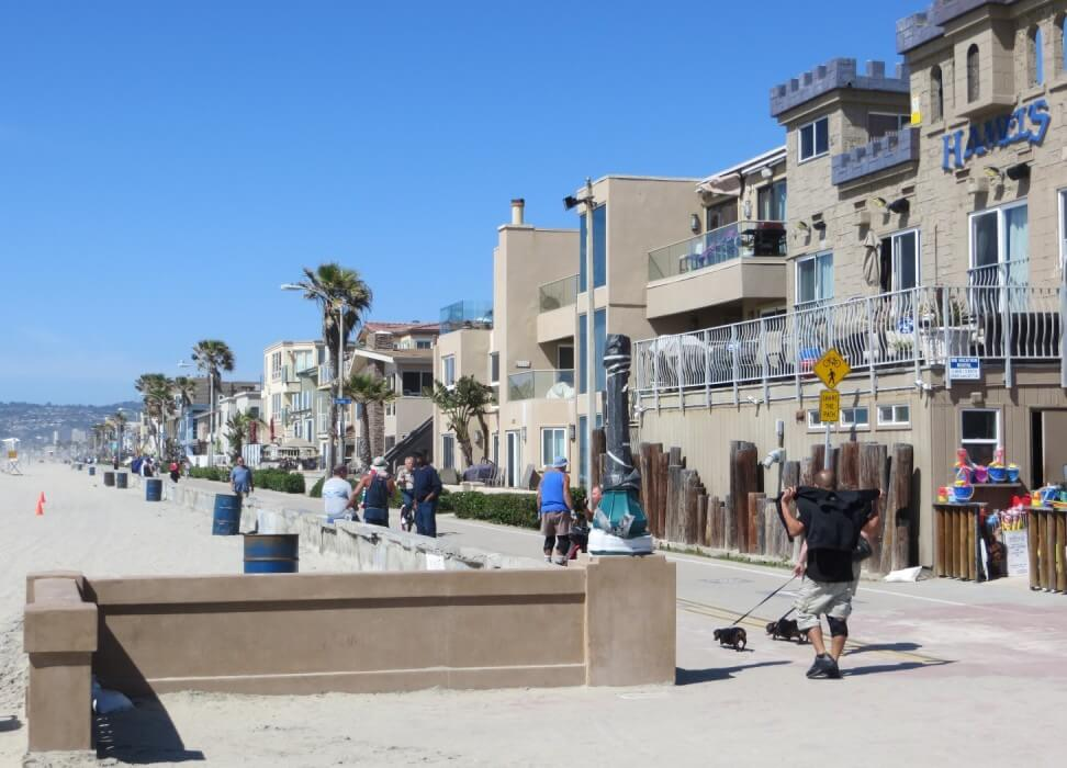 moving and storage in San Diego, beach movers, movers in mission beach